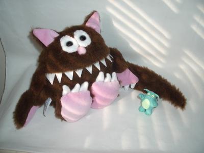 protopye's cat and Beastlies monster