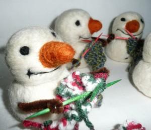 lil knitting snowmen