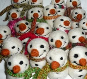 snowmen in scarves
